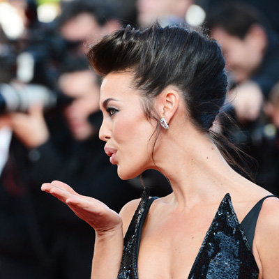 Pictures of Celebrities Blowing Kisses