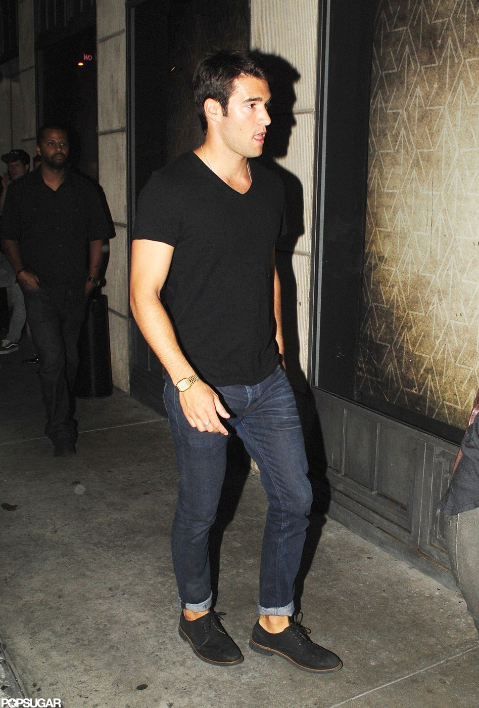 Black t shirt black jeans is jeans Black shirt blue jeans