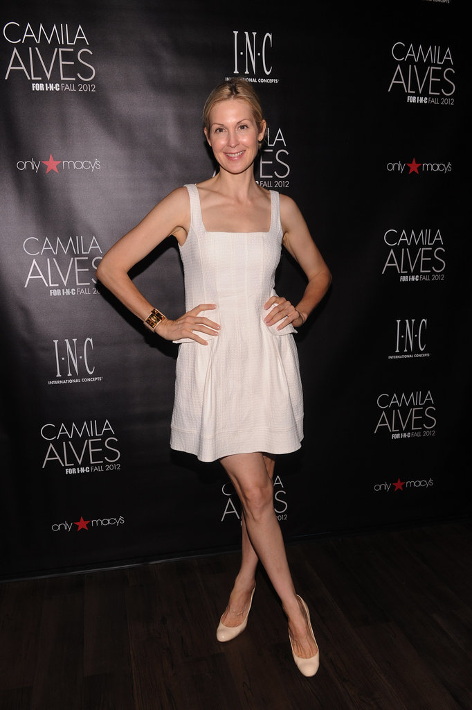 Kelly Rutherford posed in a white dress.