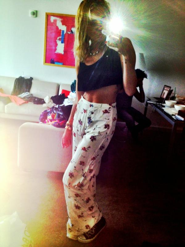 Miley Cyrus showed off her new pair of vintage pants. Source: Twitter user MileyCyrus