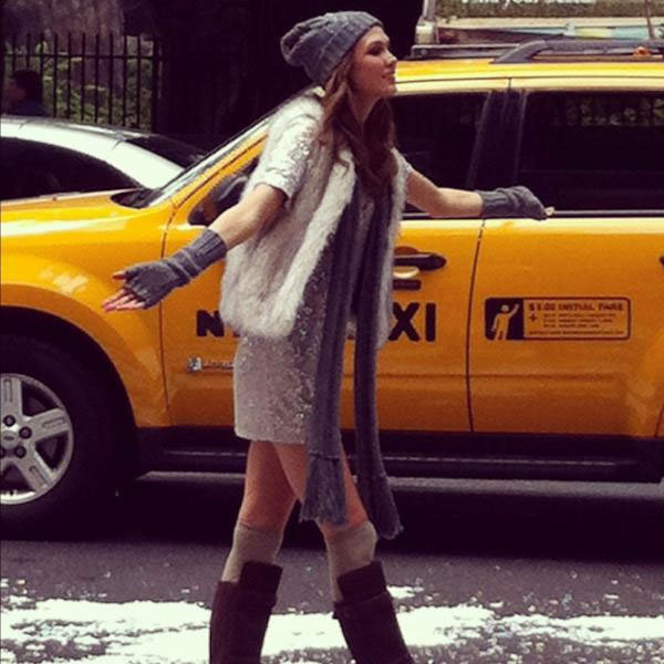 Grazia's lifestyle ed papped Karlie Kloss on location in NYC for Victoria's Secret. What a spot!