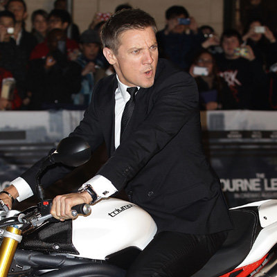 Jeremy Renner Pictures and Interview From Sydney Premiere of The Bourne Legacy