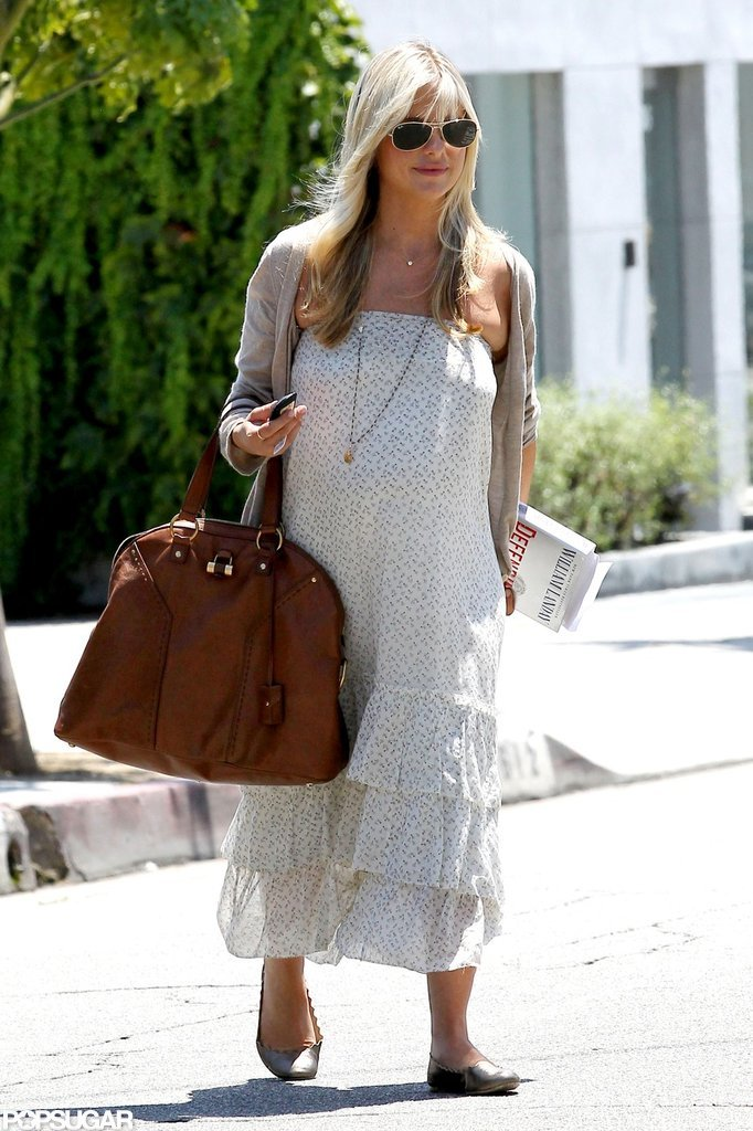 Sarah Michelle Gellar wore a long necklace with her dress.