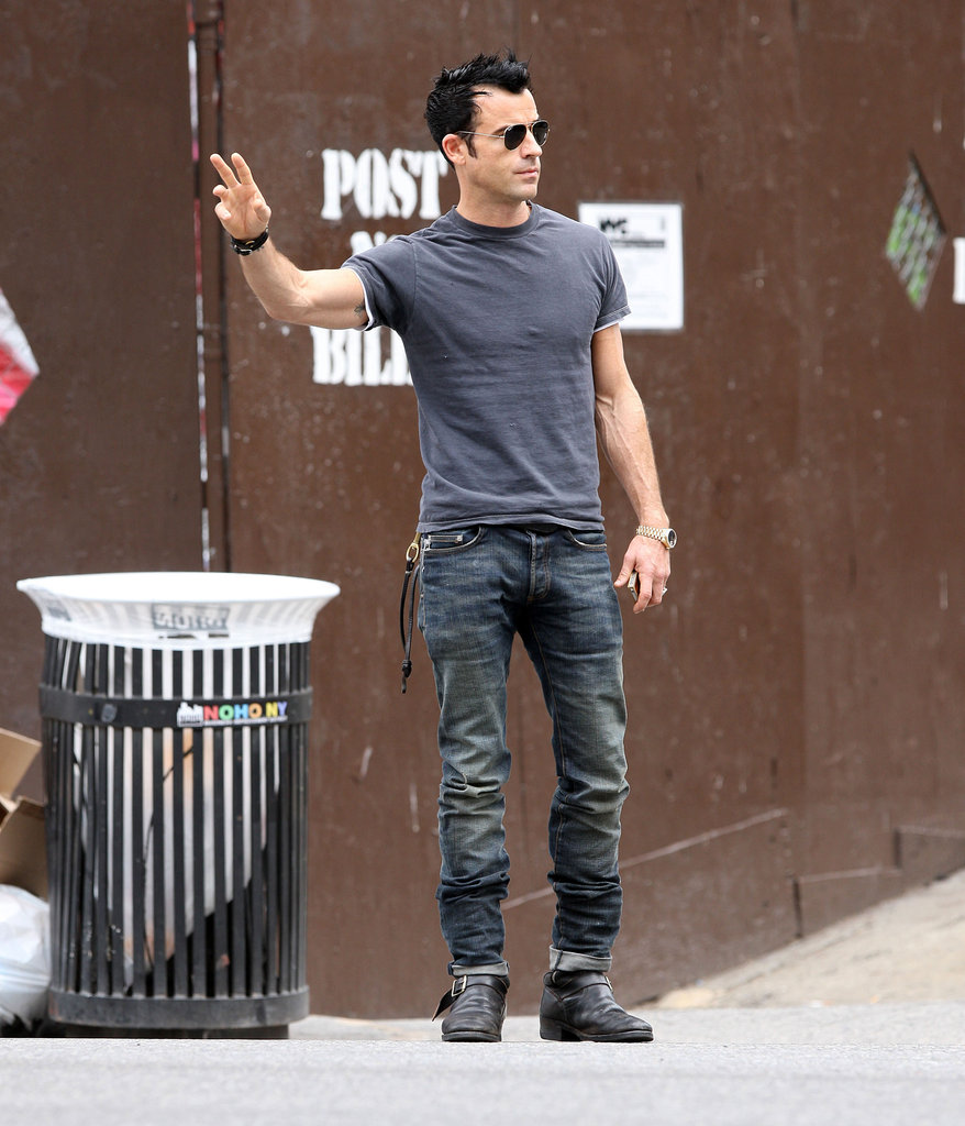 Justin Theroux Shows Off His Engaged Glow in NYC