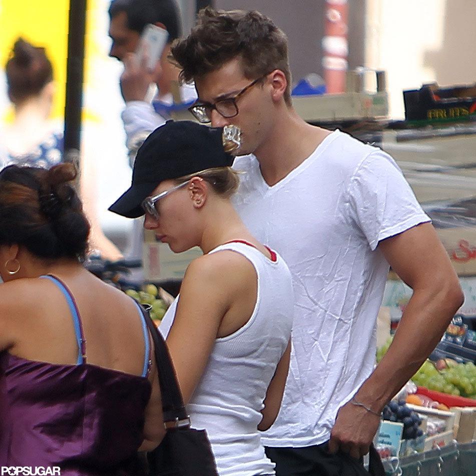 Scarlett Johansson went shopping with a friend.
