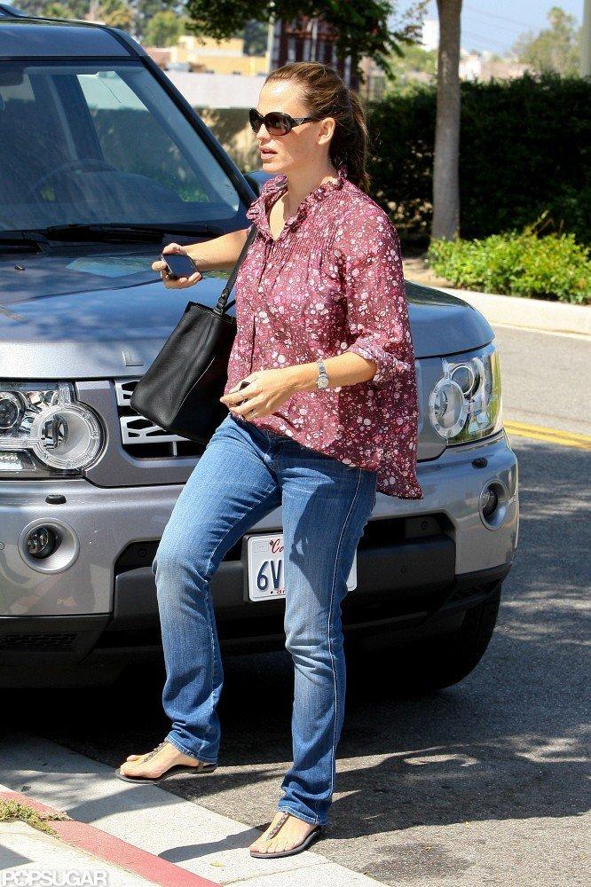 Jennifer Garner wore a floral top.