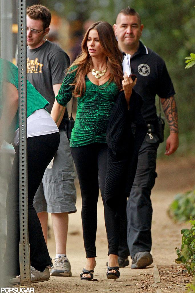 Sofia Vergara showed off her toned legs in skinny, black pants.