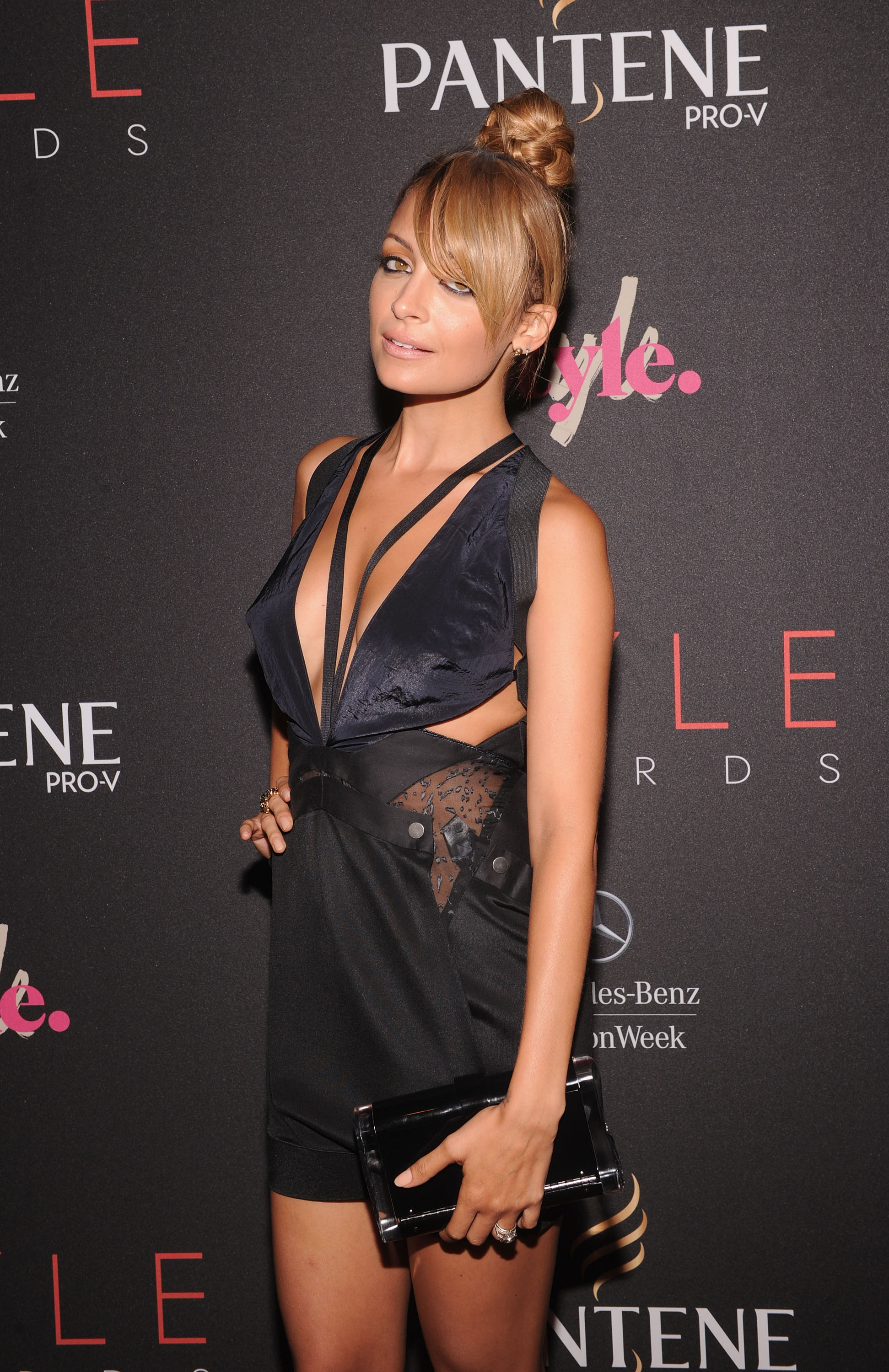 richie wore a revealing dress to the style awards