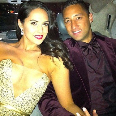 Zoe Balbi looked fabulous in Steven Khalil as she and fiancé Benji Marshall left the Dally M Awards. Source: Twitter user ZBalbi