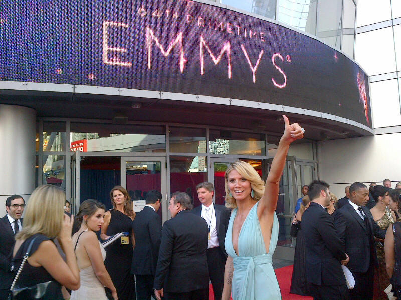 Heidi Klum looked ready to head inside and find her seat. Source: Twitter user heidiklum
