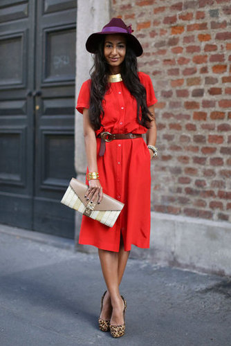 This street-style moment proves that red and purple play nicely together.
