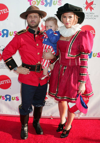 Jason Priestley and his family posed in character at an LA event in 2008.