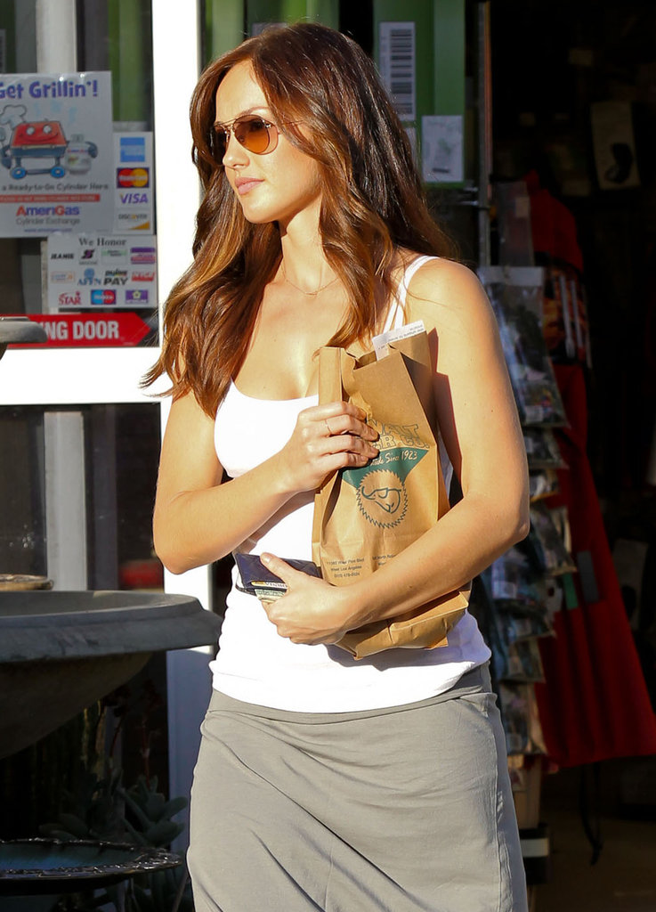Chris Evans Gives Minka Kelly a Lift Following Their Taco Date