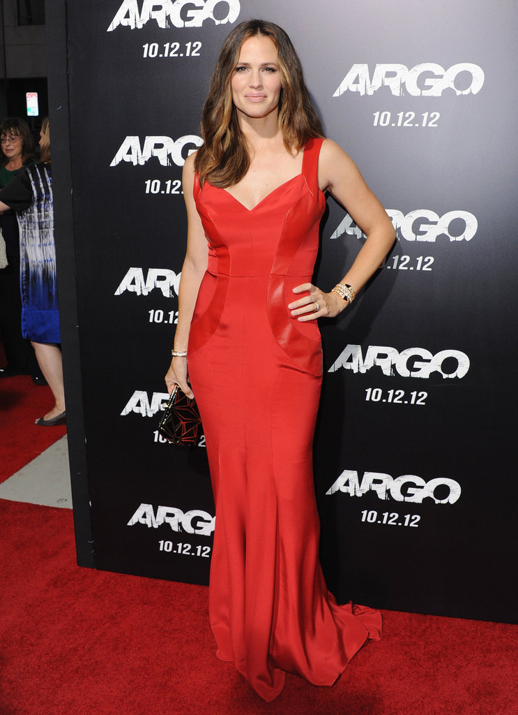 Jennifer Garner took the whole lady-in-red thing to a very chic place in this Monique Lhuillier gown at the LA premiere of Argo.