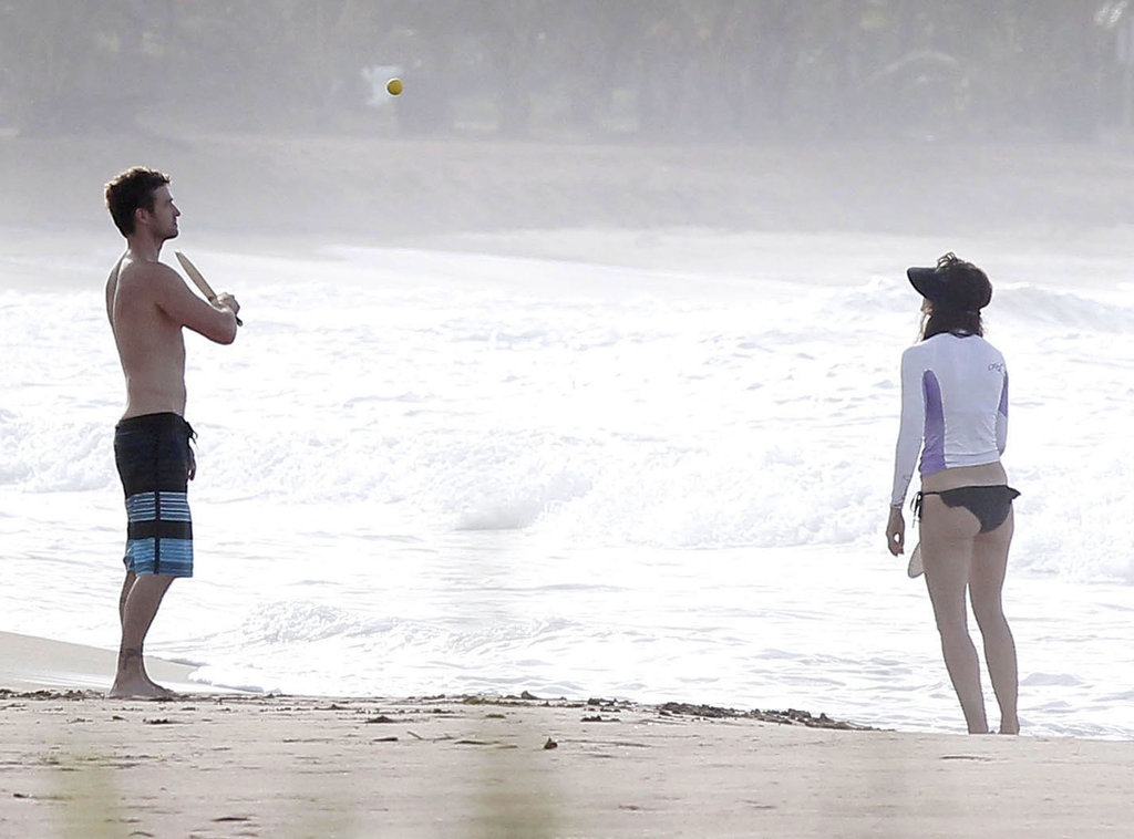Justin and Jessica hit the beach in Puerto Rico to play paddleball in July 2012.