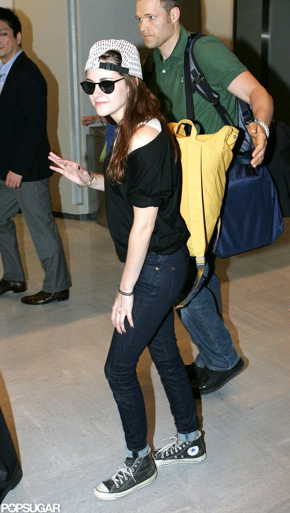 Kristin Stewart waved at fans in Japan.