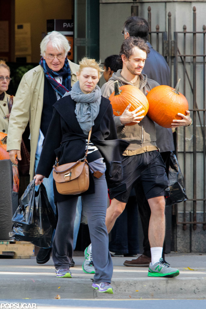 Claire Danes and Hugh Dancy carried pumpkins out of a market in Toronto.