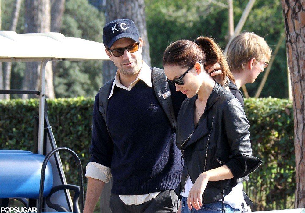 Olivia Wilde and Jason Sudeikis walked and talked.