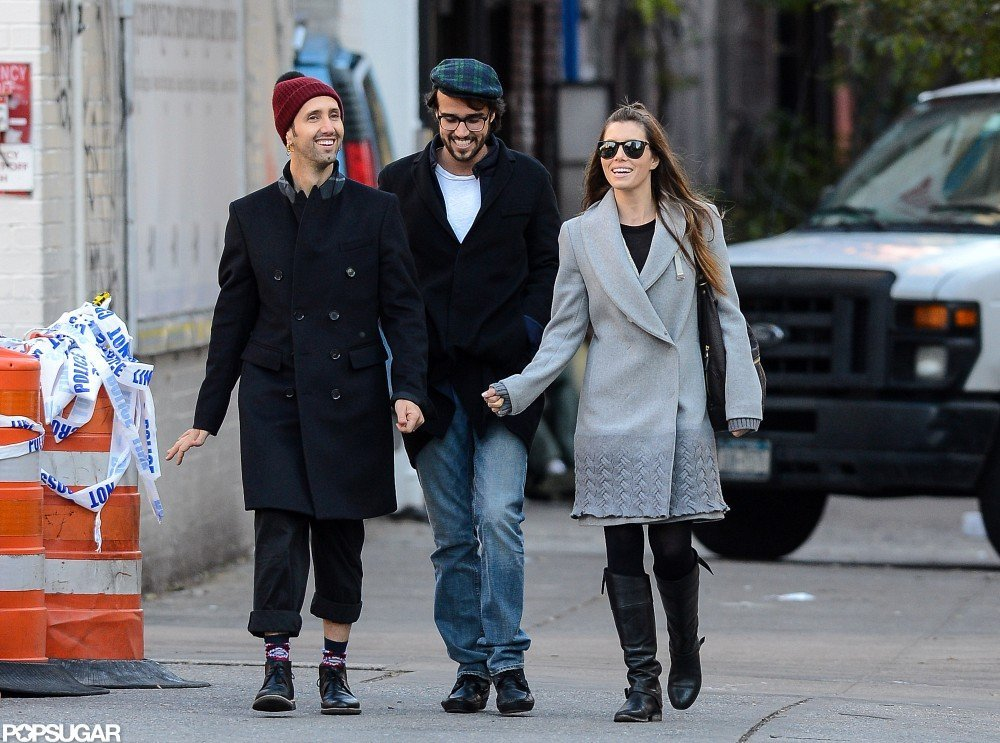Jessica Biel chatted with friends in NYC.