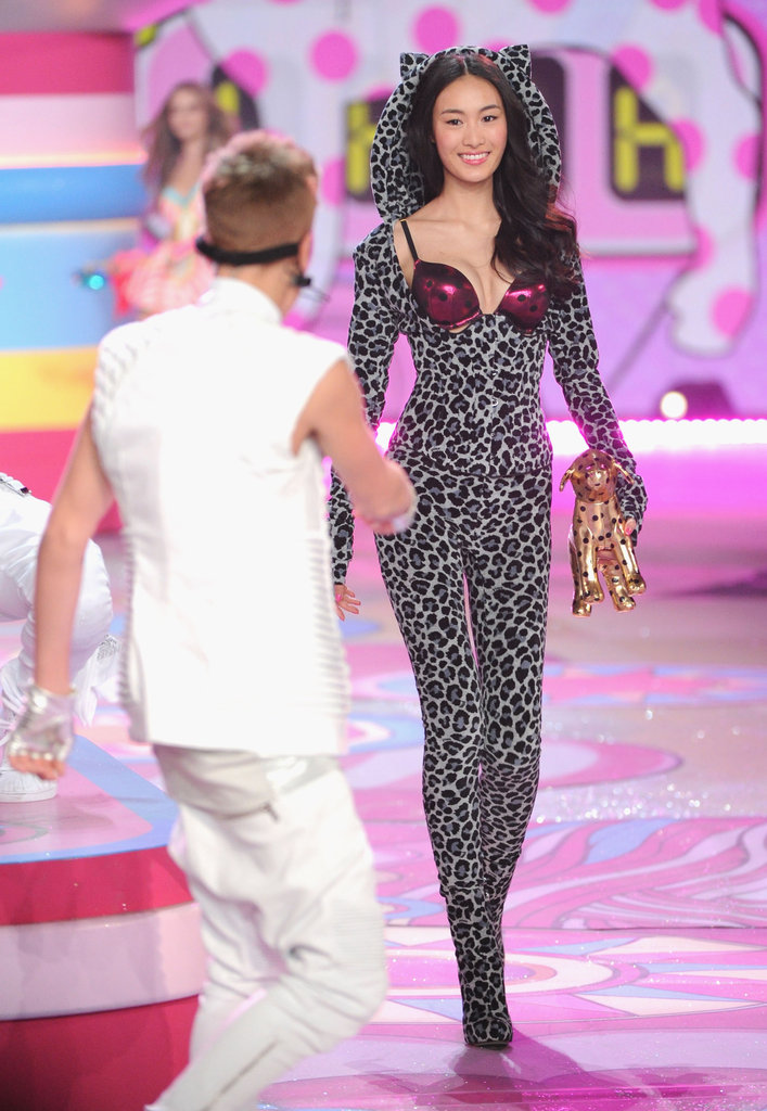 Shu Pei Qin smiled at Justin Bieber on the runway at the Victoria's Secret Fashion Show.
