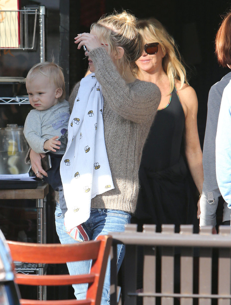 Kate Celebrates Goldie Hawn's Birthday With Her Boys and Her Brother