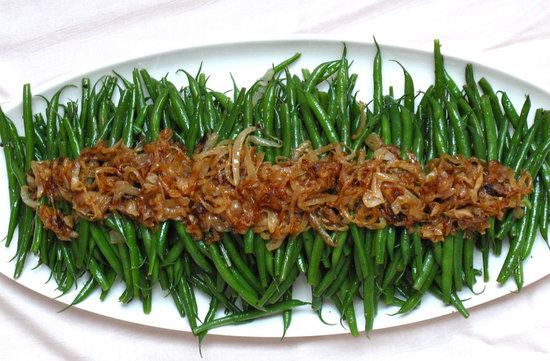 Green beans with caramelized onions only the best of the for Easy thanksgiving green bean recipes