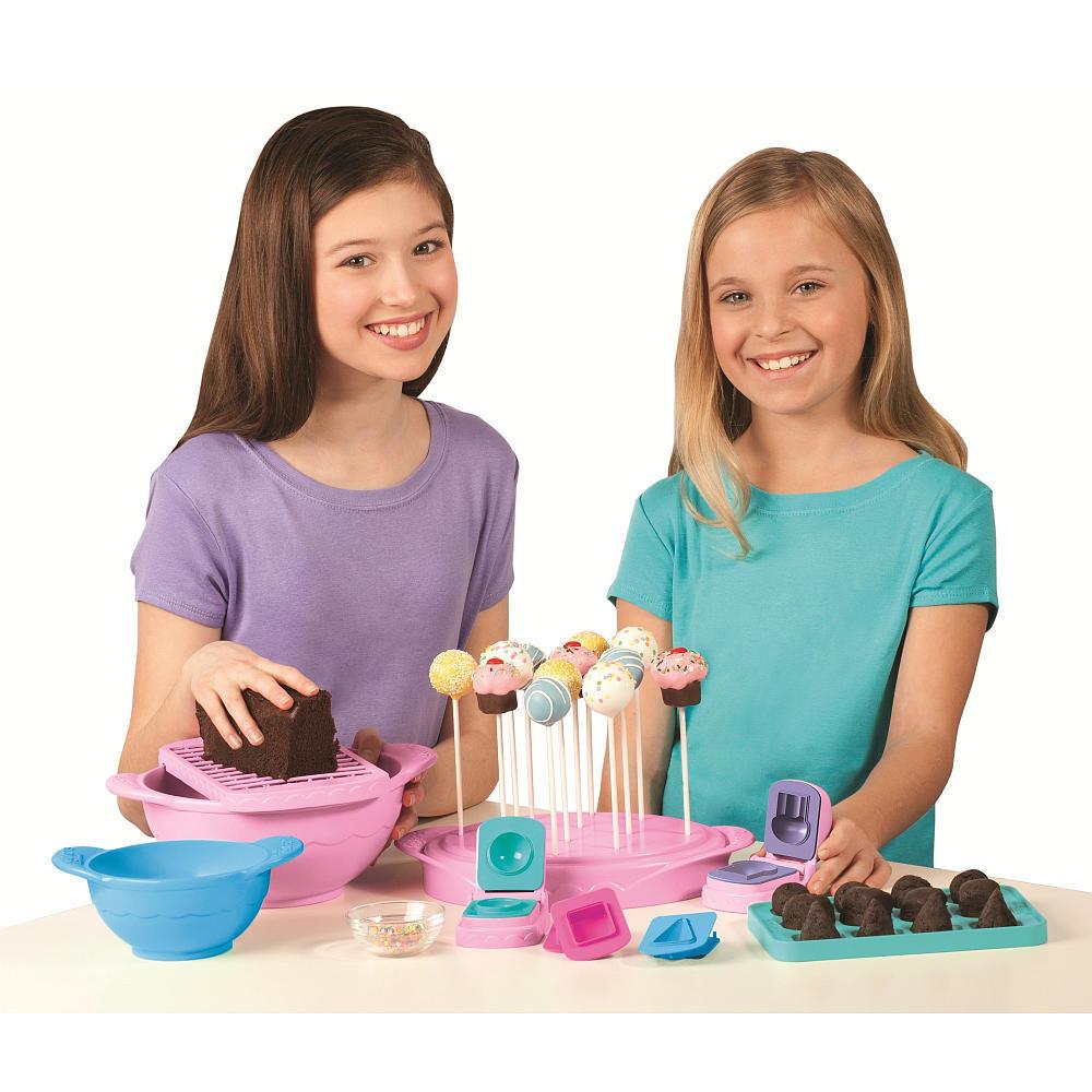 For 6-Year-Olds: Bakerella Cake Pops Ultimate Cake Pop Set