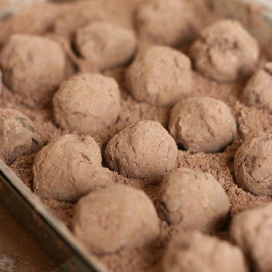 Release Your Inner Chocolatier and Make Dark Chocolate Truffles