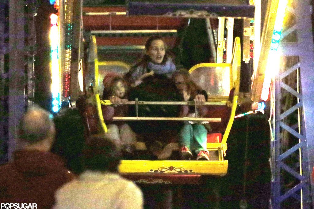 Jennifer Garner took a ride on the Ferris wheel with Violet and Seraphina Affleck.