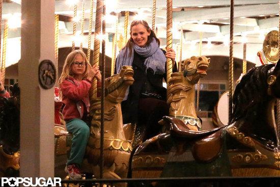 Jennifer Garner and Violet Affleck took a ride at the fair.