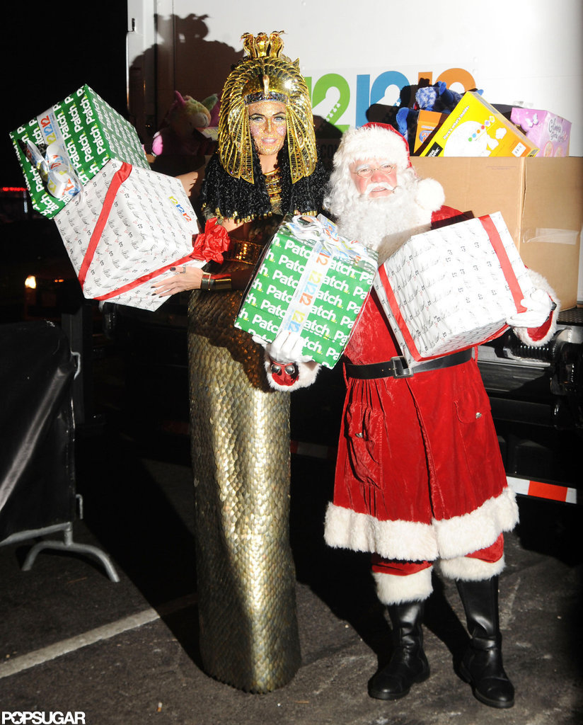 Heidi Klum Makes Her Annual Costume Party a Holiday Bonanza