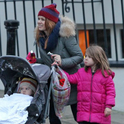 Isla Fisher Took Olive and Elula For a Walk in London