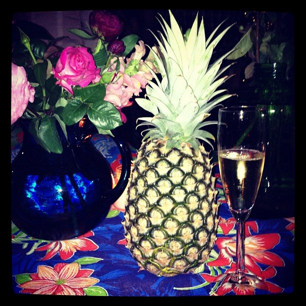 Roses, pineapples and champagne. Welcome to Gen's happy place. Thanks for being born, Havaianas!