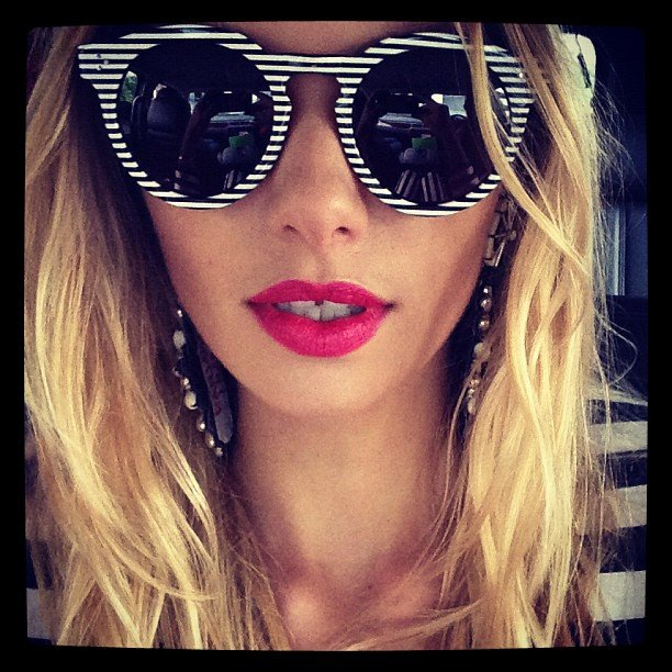 Jess Hart struck a pretty pose wearing some cool retro sunnies. Source: Instagram user 1jessicahart