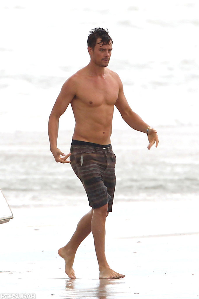 Josh Duhamel showed off his sexy abs while filming scenes for Safe Haven in North Carolina in July.