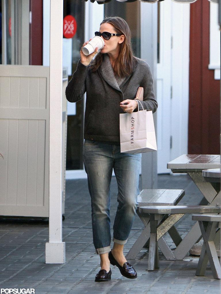 Jennifer Garner sipped on coffee.