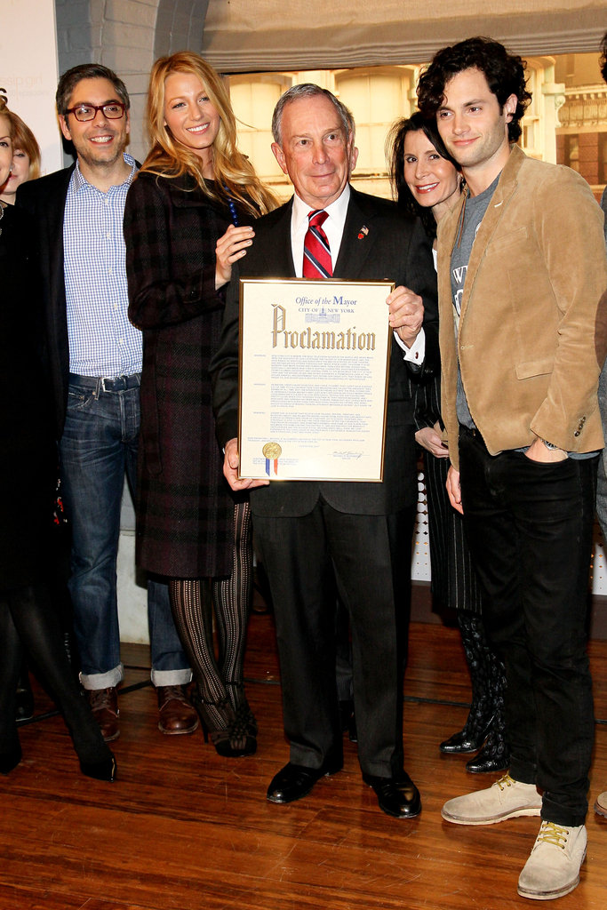 The cast joined NYC Mayor Michael Bloomberg at a special event marking the show's 100th episode in January 2012.