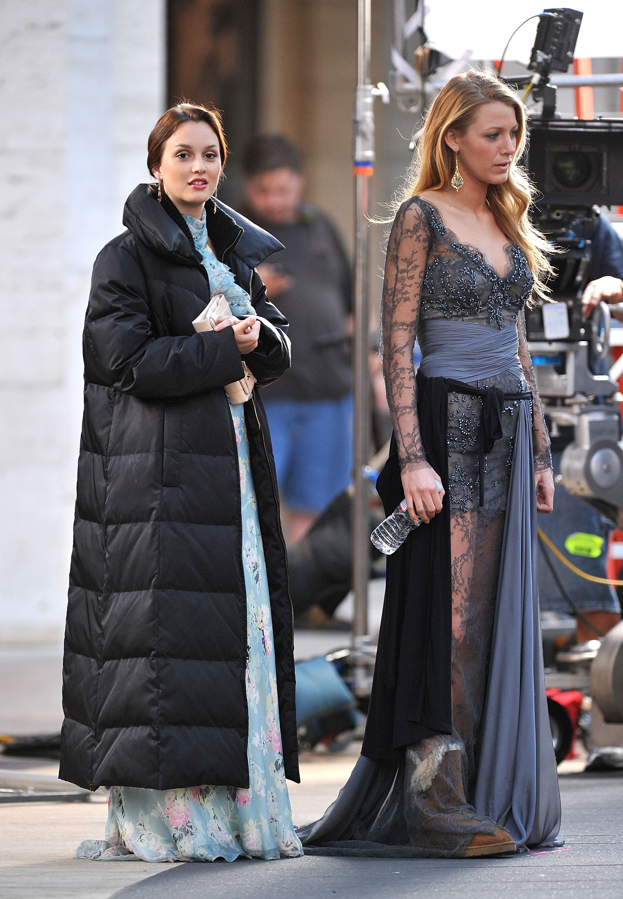Dressed to impress, Queen Bee and her sidekick S — Leighton Meester and Blake Lively — stepped out in dramatic gowns for a September 2010 scene.