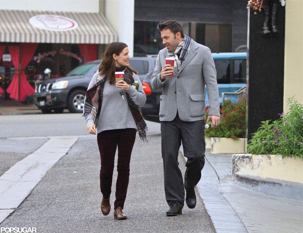 Ben Affleck and Jennifer Garner glanced sweetly at each other.
