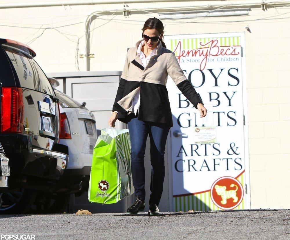 Jennifer Garner did a little shopping.