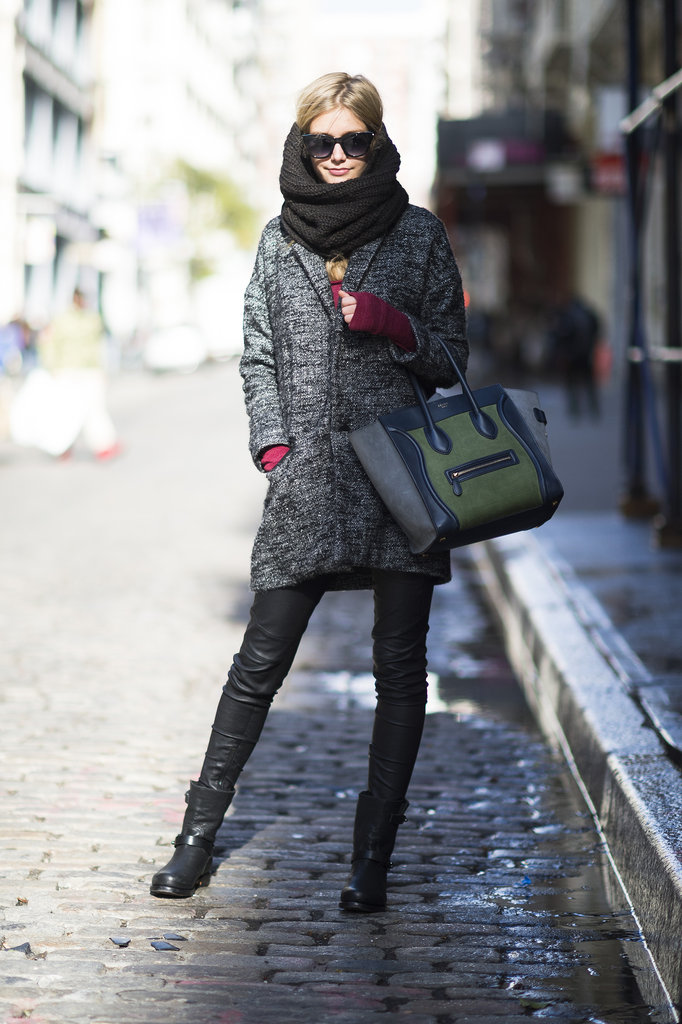 This bundled-up girl proudly carried her two-toned Céline tote on the chilly streets of NYC.