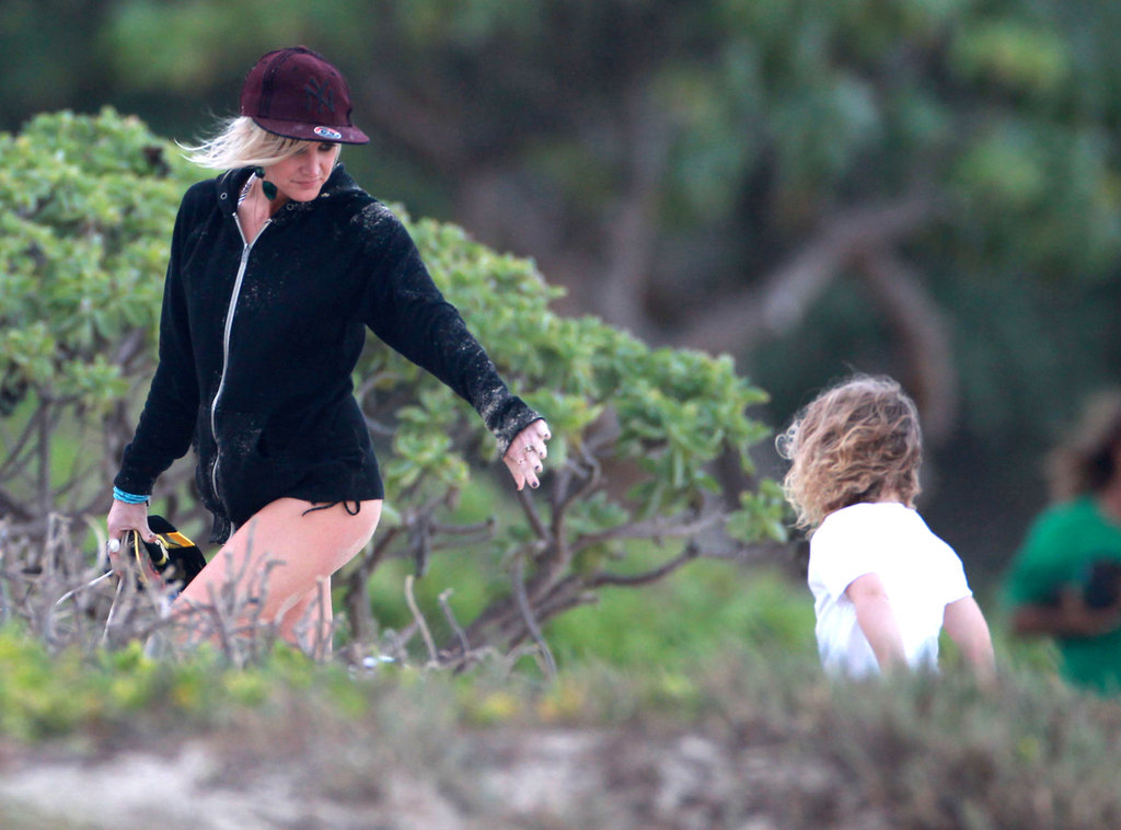 Ashlee Simpson and Bronx Wentz wrapped up a play session by the beach.