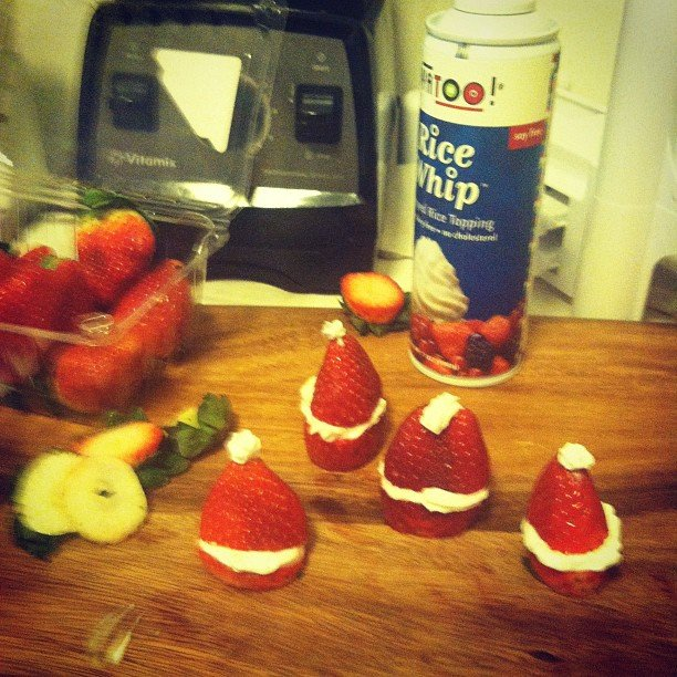 Phoebe Tonkin whipped up a healthy and nutritious Christmas treat. Source: Instagram user phoebejtonkin