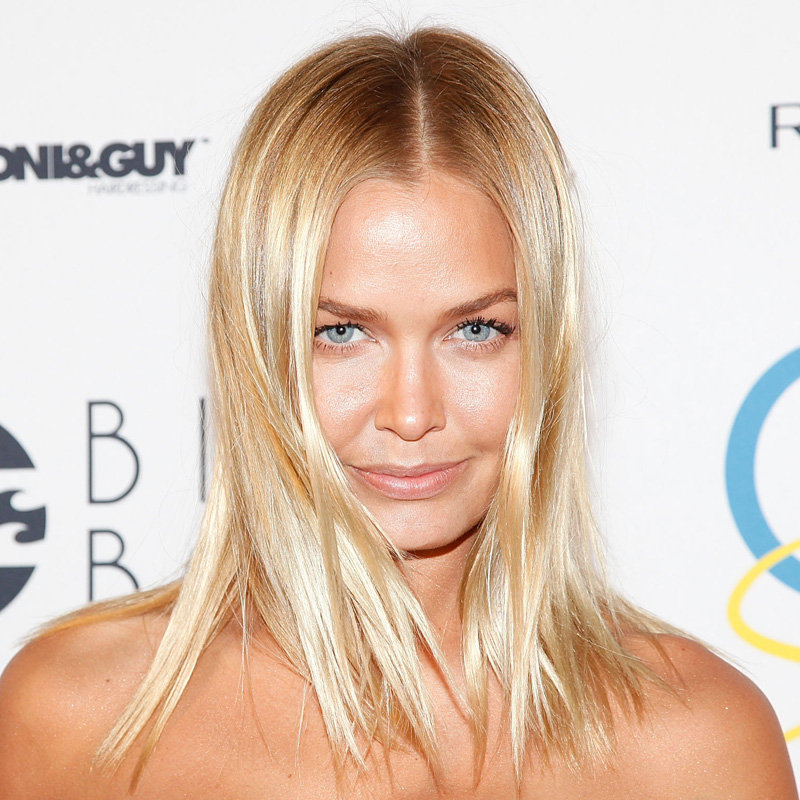 Lara Bingle's Bronze Glow