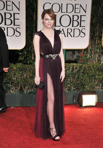 Emma-Stone-showed-some-serious-leg-2012-red-carpet