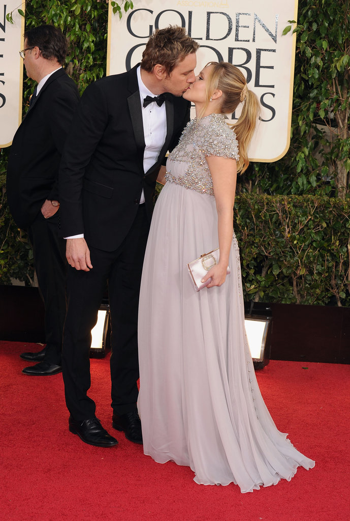 Dax Shepard and Kristen Bell shared a romantic kiss at the 2013 Golden Globes.