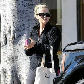 Reese Witherspoon Leaving the Gym in LA   Pictures
