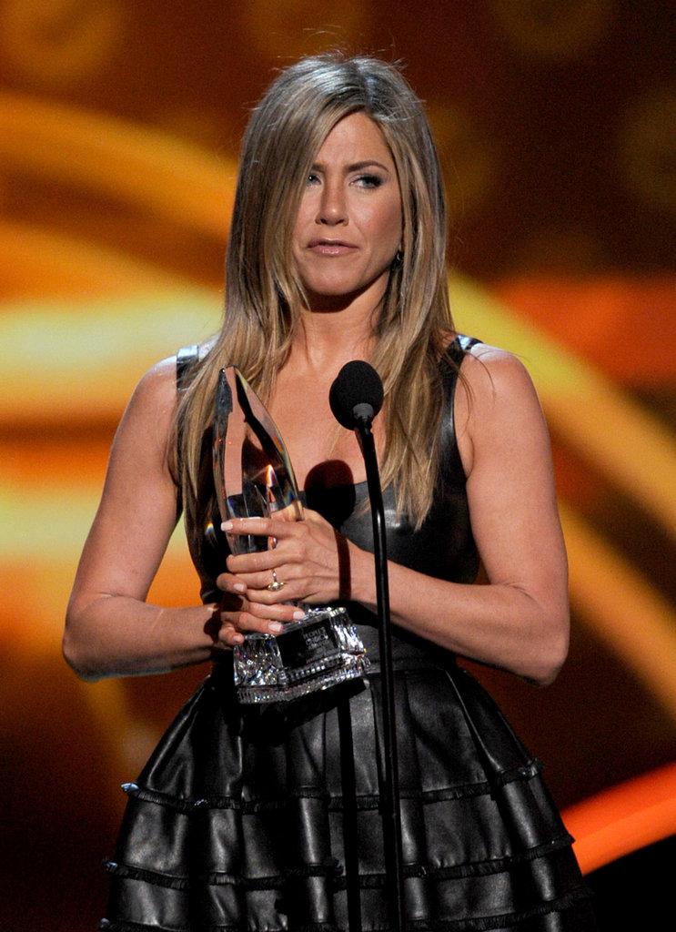 Jennifer Aniston Hangs With Ellen DeGeneres and Portia de Rossi at 2013 PCAs