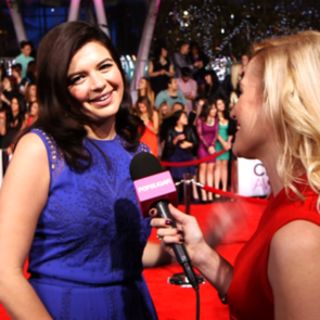 Casey Wilson People's Choice Awards Red-Carpet Interview