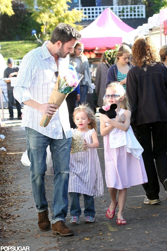 Ben Affleck and his daughters picked up some fresh vegetables.